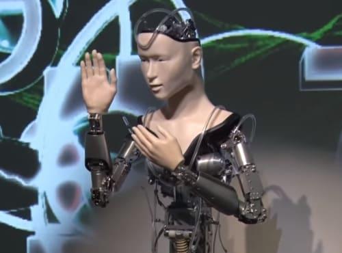 robot humanoide Mindar es un sacerdote budista en Japón
