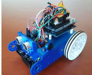 Se les otorga el galardón Desafio Stem a unos maestros de Vigo por la creación del robot mClon